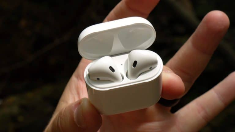 airpods case open - cropped